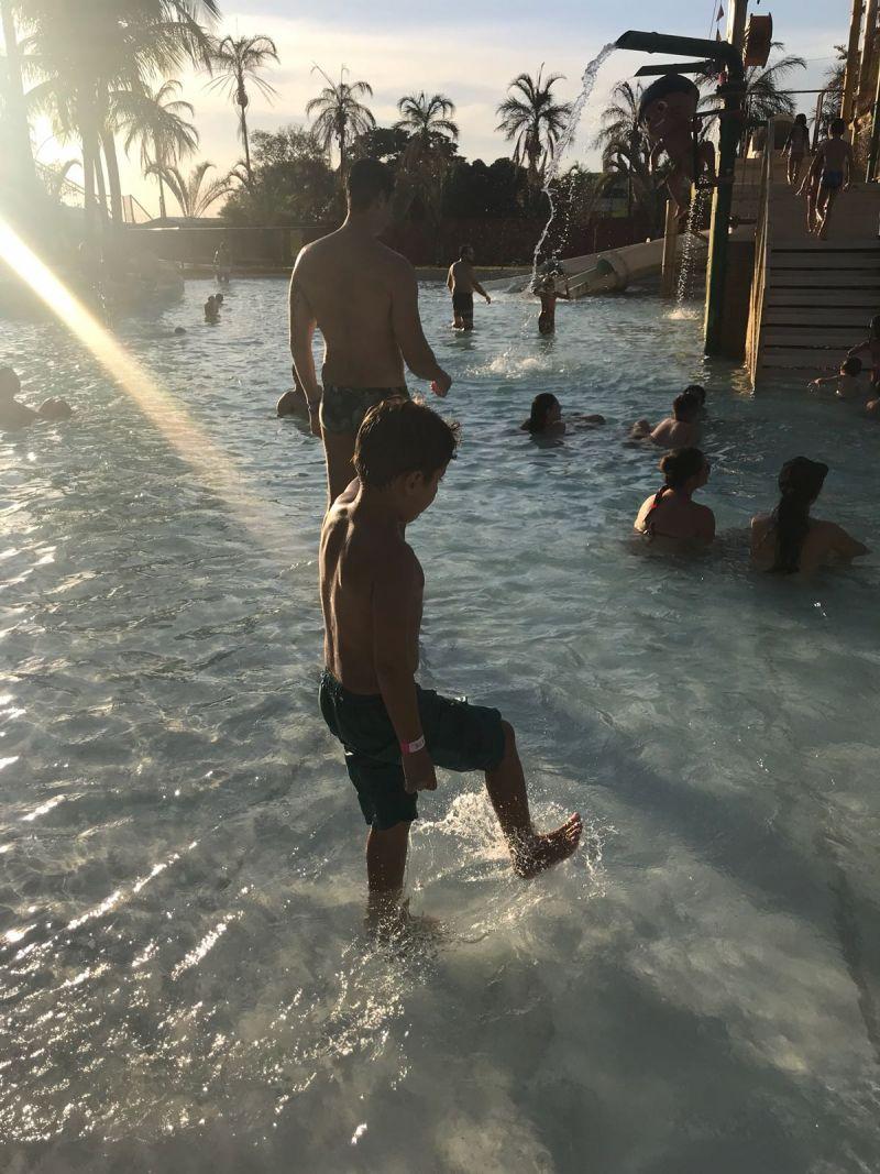 Gui na piscina